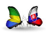 翼にガボンとスロバキア フラグと蝶 — ストック写真