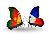 蝴蝶与喀麦隆和菲律宾国旗 — 图库照片