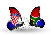 クロアチアと南アフリカ共和国の旗で蝶 — ストック写真