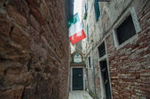 Italian national flag in narrow street, Venice — Stock Photo