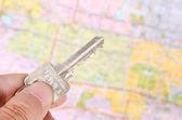 Mapa a klíče — Stock fotografie
