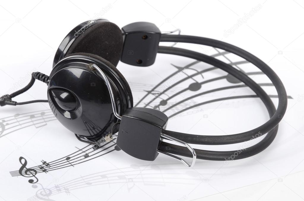 Headphone on staff — Stock Photo #13193251