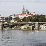 Prague castle and Vltava river — Stock Photo #13132268