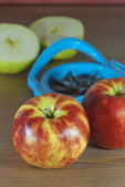 Apples and slicer — Stockfoto