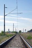 Línea ferroviaria electrificada — Foto de Stock