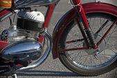 Side view of a veteran motorbike — Stock Photo