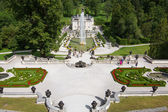 Linderhof castle with great fountain, Bavaria, Germany — Stock Photo