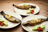 Pyszne ryby z grilla — Zdjęcie stockowe