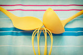 黄色厨房小工具 — 图库照片