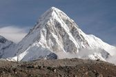 The summit of makalu, nepal. — Stock Photo