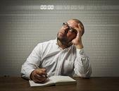 Man in white. Time concept. — Stockfoto