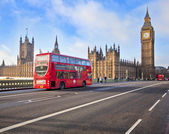Red Bus on Westminster Bridge — Stock Photo