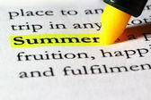 Word summer highlighted with a yellow marker — Stock Photo
