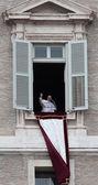 Papa francisco i durante el primer angelus — Foto de Stock