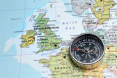 Travel destination United Kingdom and Ireland, map with compass — Stock Photo