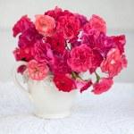Beautiful tea roses — Stock Photo #47450211