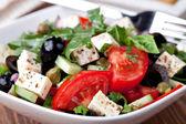 Insalata di verdure greca con formaggio feta — Foto Stock