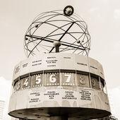 世界时钟在亚历山大广场,柏林,德国 — Photo