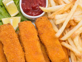Fish Fingers with Chips (macro view) — Stock Photo
