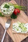 チーズと健康的な新鮮なクリスプブレッド — ストック写真