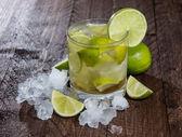 Caipirinha with Crushed Ice on wood — Stock Photo