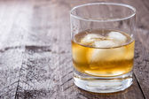 Rum on the rocks — Stock Photo