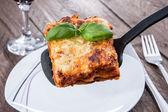 Stück lasagne — Stockfoto
