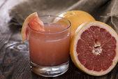 Frische aus Grapefruit-Saft — Stockfoto