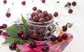 Wiśnie marynowane — Zdjęcie stockowe