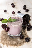 Fresh made Cherry Smoothie — Stock Photo