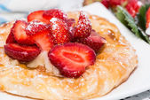 Torta de morango pequena — Fotografia Stock