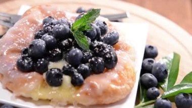 Small Blueberry Tart — Stock Video
