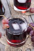 玻璃与新鲜葡萄汁 — 图库照片