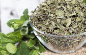 Dried Mint in a bowl — Stockfoto