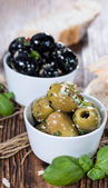 Fresh Olives (black and green) — Stock Photo