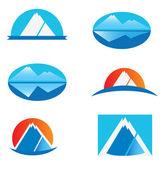 набор логотипов горы — Cтоковый вектор