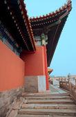 Chinesische palast museum tor nägel — Stockfoto
