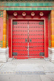 Red wooden door — 图库照片