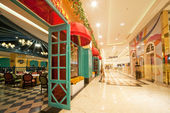The restaurant is decorated — 图库照片