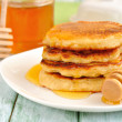 Pancakes with honey — 图库照片 #13348691