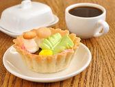 Small cake basket — Stock Photo
