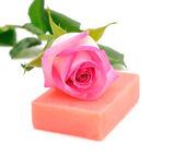 Rose water en zeep — Stockfoto