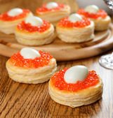 Vol-au-vent with red caviar — Stock Photo