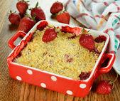 Strawberry crumble — Stock Photo