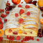 Pie with berries — Stock Photo