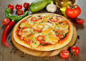 Vegetable pizza — Stock Photo