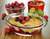 Berry crumble — Stock Photo