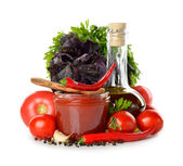 Fresh vegetables, olive oil and tomato sauce — Stock Photo