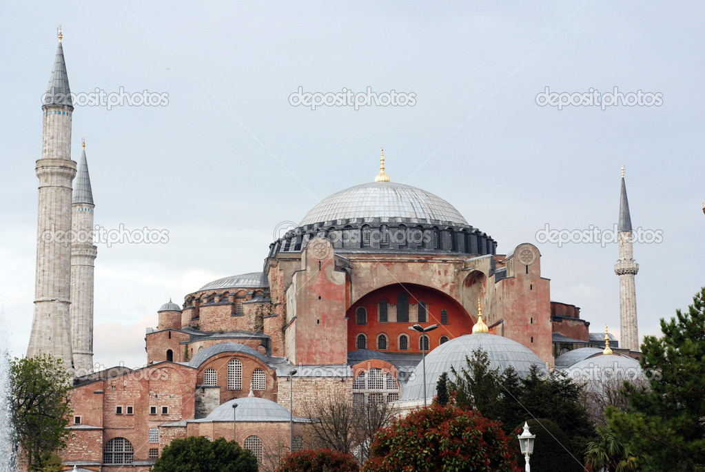 The famous Aya Sophia in the city of Istanbul (Turkey) — Stock Photo #12781325