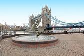 Pont de tour de fontaine — Photo